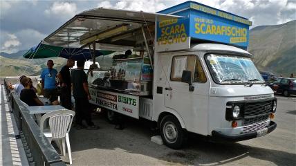 Hot food truck - Castelluccio di Norcia - Italy