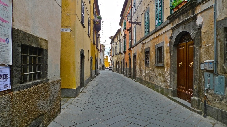 Street scene - Bagnoregio (VT), Italy