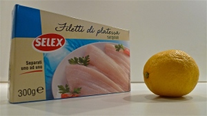 Box of Flounder fillets & fresh lemon