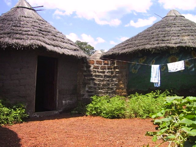 Stephanie's mud hut - Kalan-Kalan, Guinea