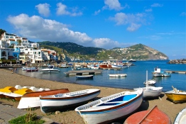 Fishermen's friends - San Angelo, Ischia, IT | © Tom Palladio Images