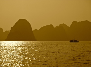 Ha Long Bay scenic - Vietnam | ©Tom Palladio Images
