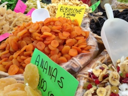 Dried Fruit 4 Sale - Vicenza, IT | ©Tom Palladio Images
