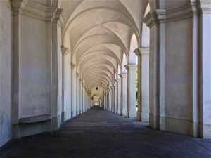 Under the covered archway up to Monte Berico - Vicenza, Italy | ©Tom Palladio Images