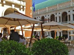 Caffe Ristorante Garibaldi - Vicenza, Italy | ©Tom Palladio Images