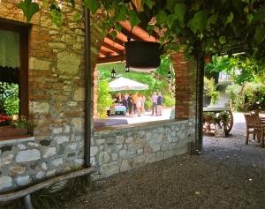 Along the Veranda of Ristorante alla Torre - San Zenone degli Ezzelini (TV), Italy | ©Tom Palladio Images
