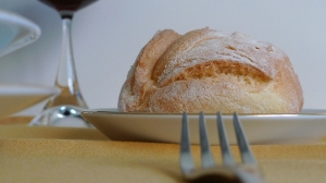 Plated bread | ©Tom Palladio Images
