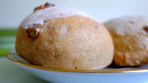 Fresh artisan nut bread | ©Tom Palladio Images