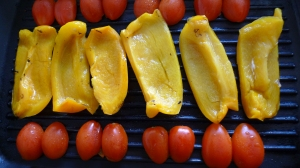 Peppers and cherry tomatoes on the grill | ©Tom Palladio Images