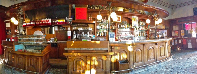 Inside the Bar Sartea - Vicenza, Italy | ©Tom Palladio Images