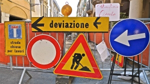 Street repair signage - Vicenza, Italy | ©Tom Palladio Images