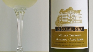 Alto Adige Müller Thurgau 2012 DOC - St. Michael's Winery - Appiano/Eppan, Italy | ©Tom Palladio Images