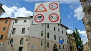 Street signs - Vicenza, Italy | ©Tom Palladio Images