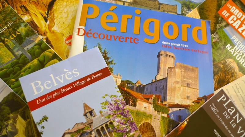 Travel brochures of SEW France | ©Tom Palladio Images