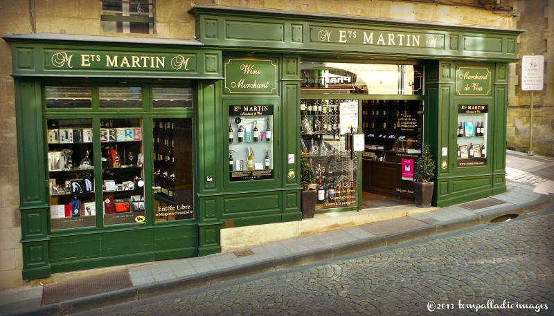 Saint-Emilion, FR wine shop and tasting | ©Tom Palladio Images