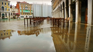 Country Roads: L'Aqua Alta splashes Venice | ©Tom Palladio Images