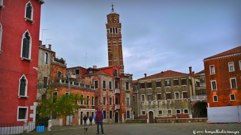 Country Roads: A Tall Murano Glass of Venetian Water |©Tom Palladio Images