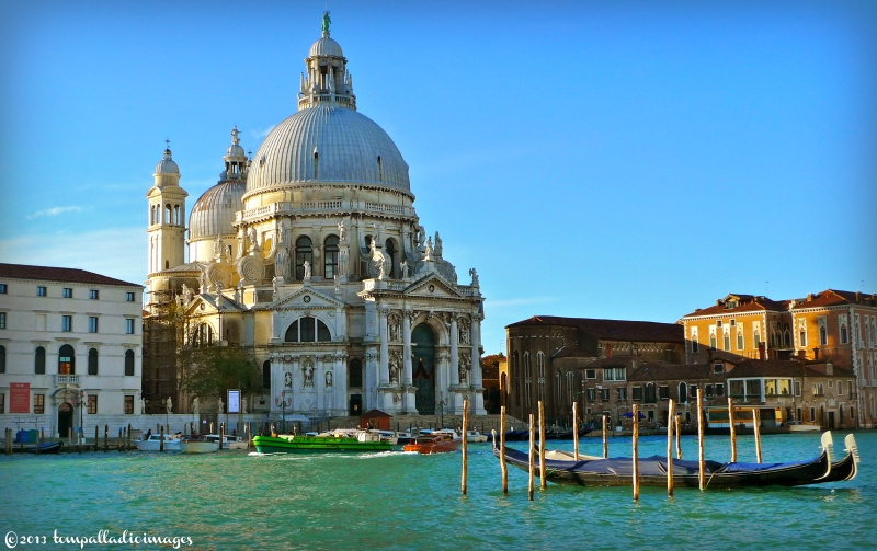 Country Roads: Aqua Alta in Venice | ©Tom Palladio Images