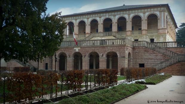 Villa Vescovi Luvigliano Ritrovata Lapide Romana