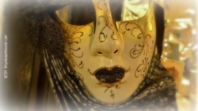 The Lady behind The Mask   ©thepalladiantraveler.com