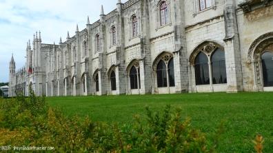 Iberian Adventure: Framing the Jeronimos Monastery | ©thepalladiantraveler.com