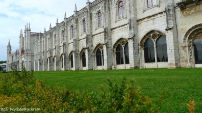 Iberian Adventure: Framing the Jeronimos Monastery | ©thepalladiantraveler.com